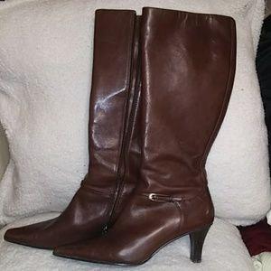Joan & David Circa brown heeled boots